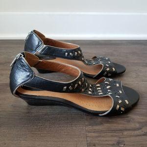 Clarks Artisan Thimble Clover Sandal Wedge 7.5
